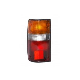 Feux - bloc feux arrière pour Toyota Hilux  LN106 2.8D